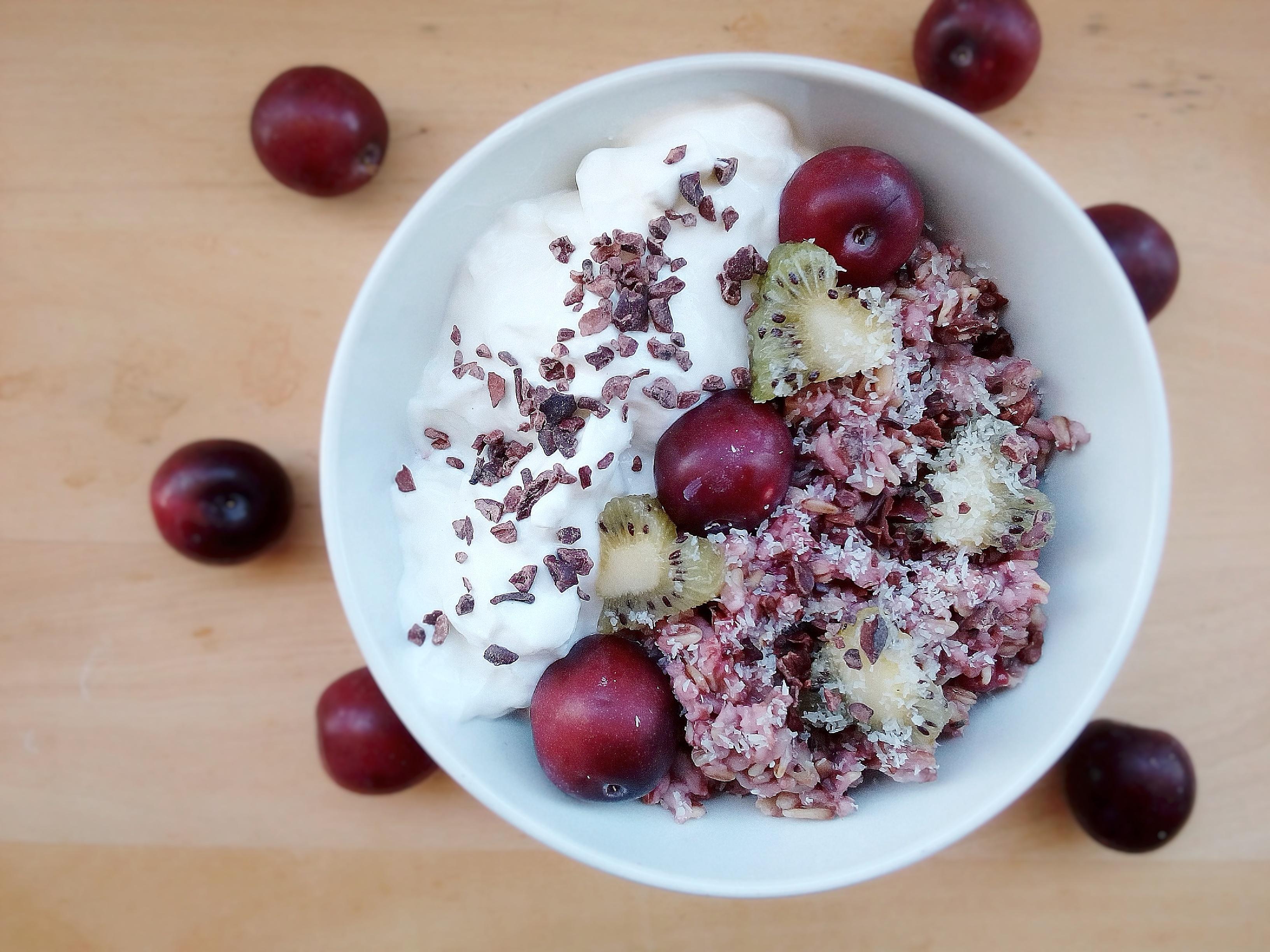 Porridge al Cocco, Susine & Frutti di bosco